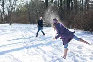 snowball-fight-578445_1920